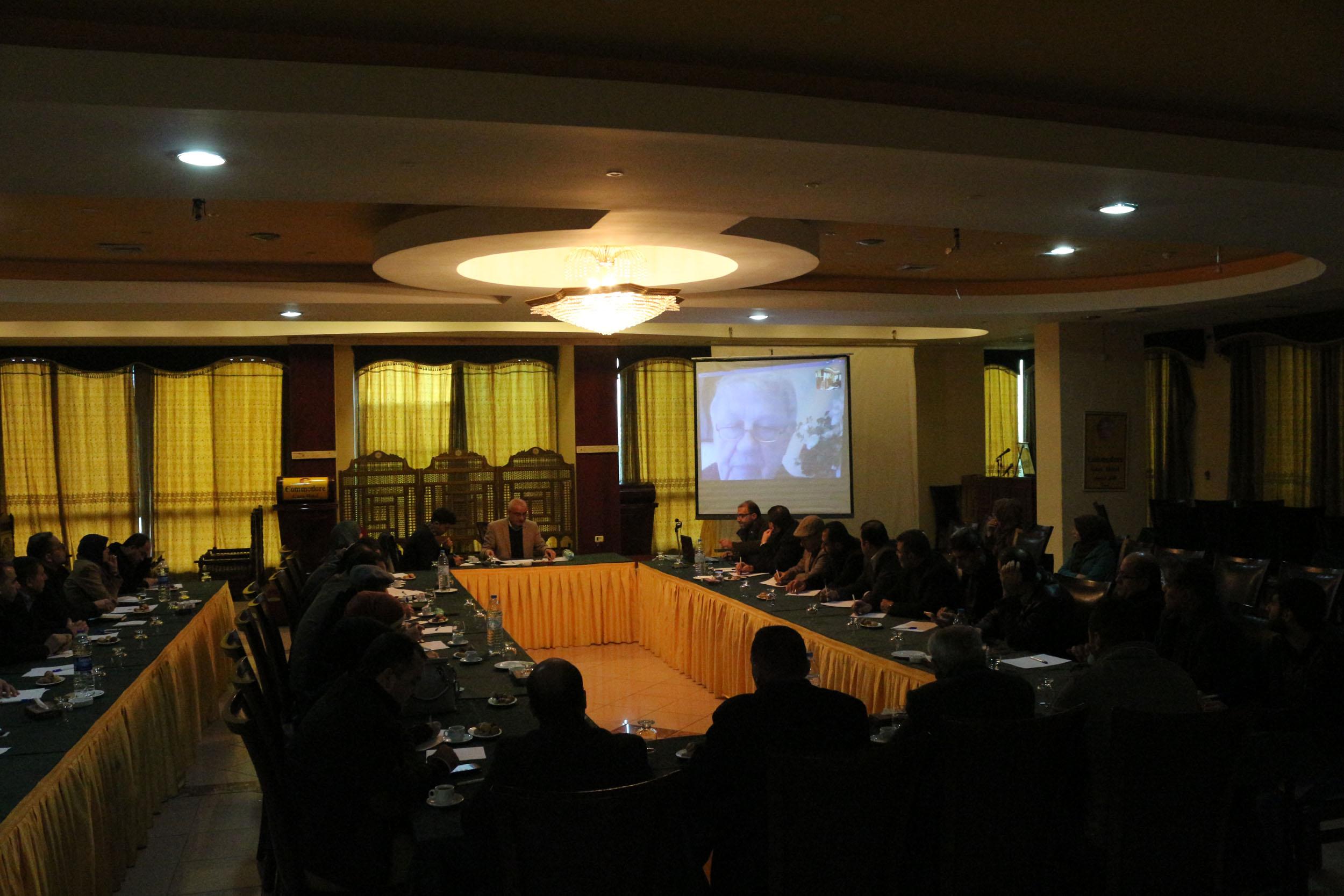 صورة لقاء مع د. مارك أوتي المبعوث الأوروبي الأسبق لعملية السلام في الشرق الأوسط