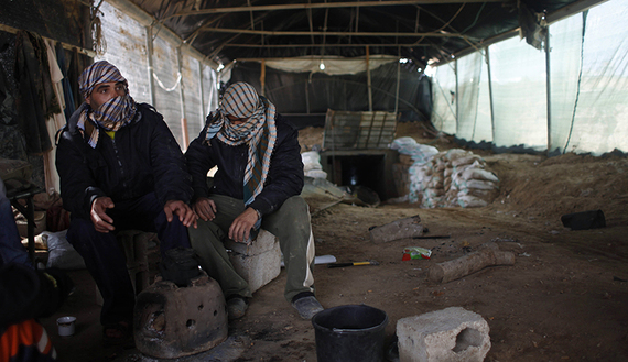 Photo of موازنة حكومة حماس للعام 2014 تعكس أزمة ماليّة وسياسيّة