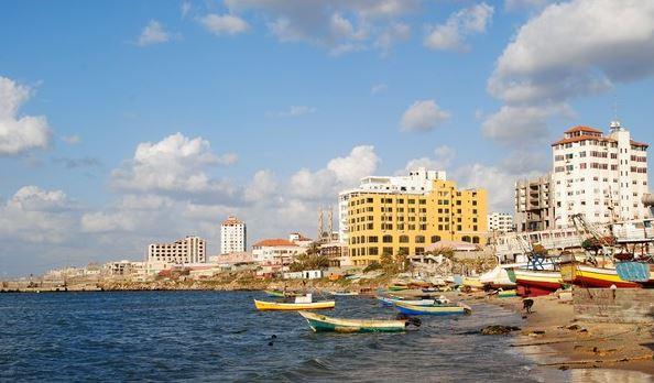 "Photo of خبير يستعرض من خلال الـ""الاقتصادية"" حلول دولية ومحلية لأزمات غزة الاقتصادية والسياسية"